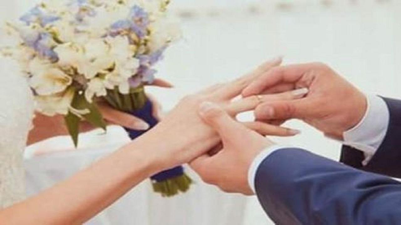 زوجة تضبط زوجها أثناء الإحتفال بزفافه من أخرى !