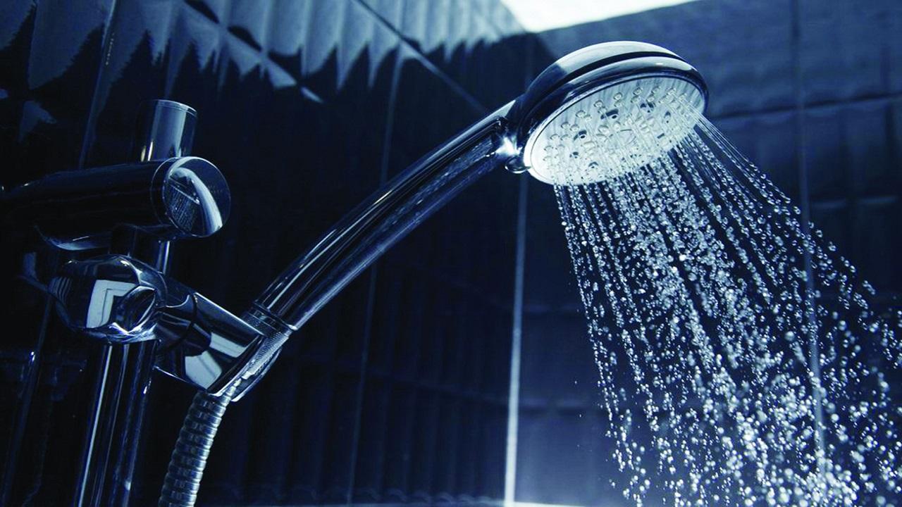 الاستحمام وقت طويل في الشتاء يؤدي إلى أمراض جلدية