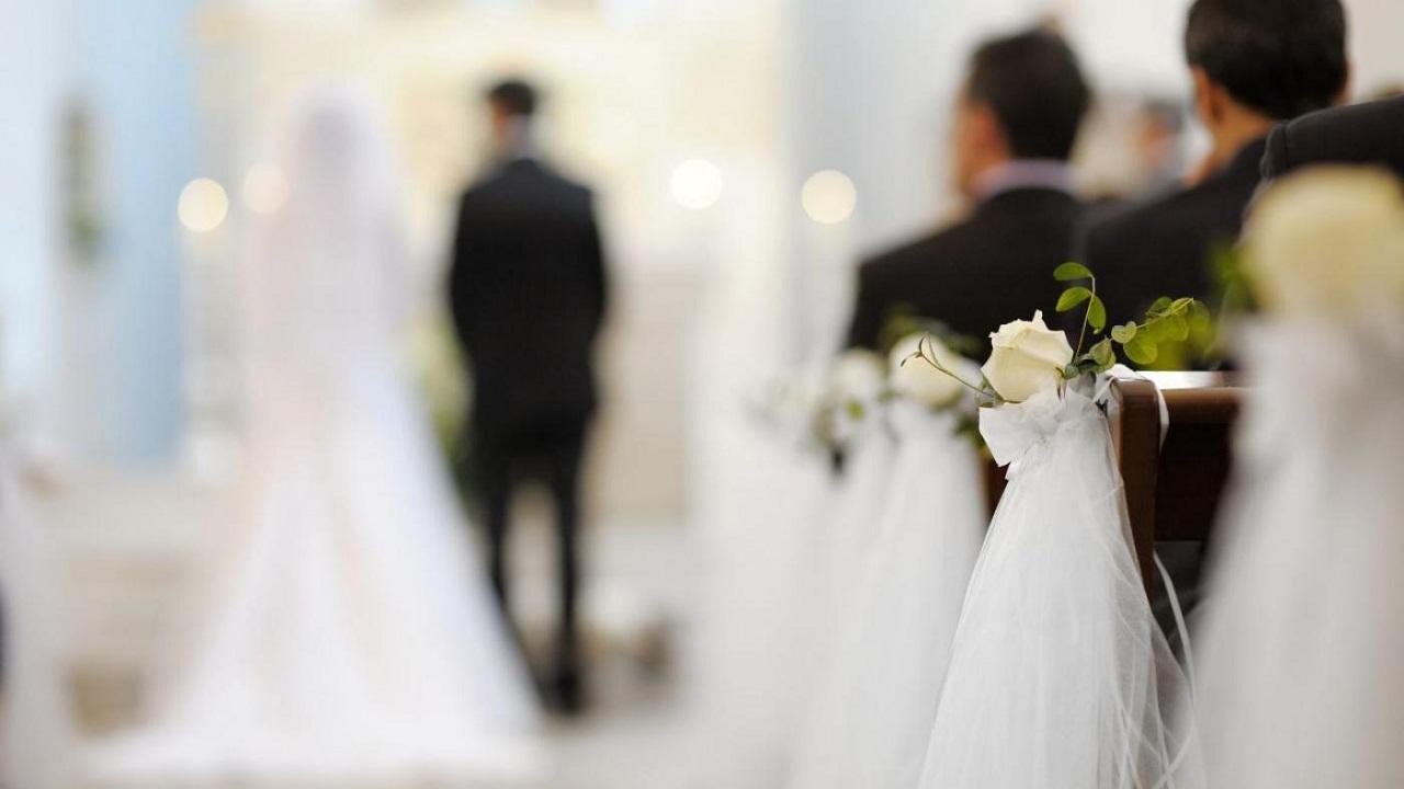 امرأة تنتقم من طليقها ليلة زفافه على أخرى وتضعه في ورطة