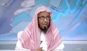 """بالفيديو.. """"المطلق"""" يوضح حكم لبس الجورب في الرجل اليمنى قبل غسل اليسرى"""