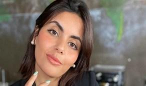 رد ناري من أمل الشهراني على متابع وصفها باليهودية