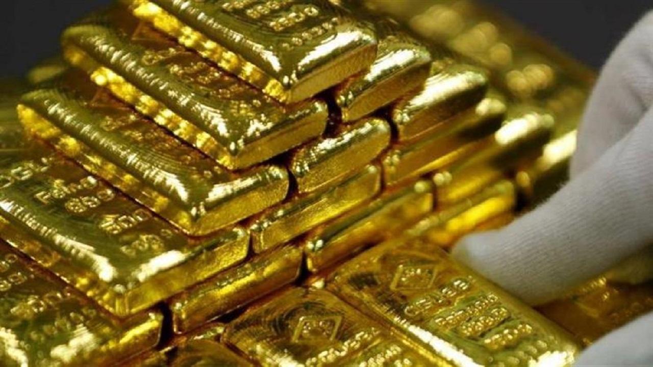 أسعار الذهب تستقر وتتجه لتحقيق مكسب أسبوعي مع تضرر الدولار