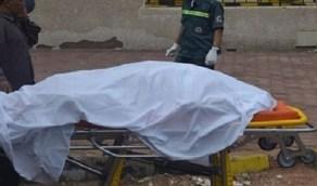 العثور على جثة امرأة ستينية متحللة في ظروف غامضة
