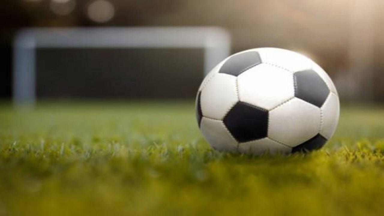 وفاة لاعب مصري في الملعب إثر أزمة قلبية