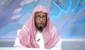 بالفيديو.. «المطلق» يجيب على جماعة أتت للصلاة قبل تسليم الإمام بوقت قليل