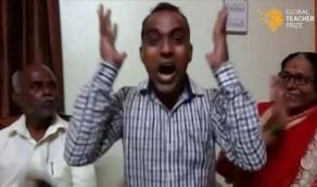 معلم يفاجئ منافسيه بعد أن فاز بمليون دولار