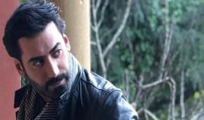 بالفيديو.. محمد العلوي يضع المكياج لنفسه