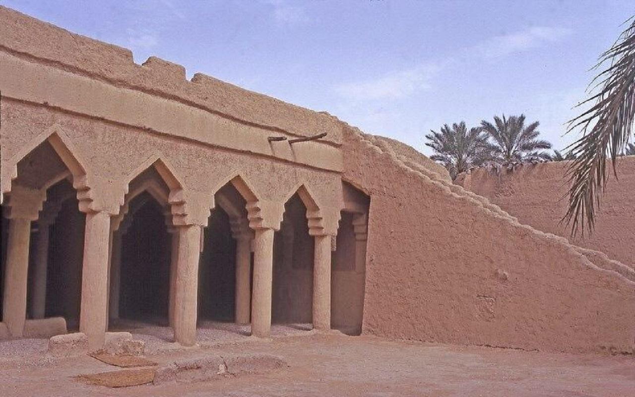 مساجد نجد الطينية الجميلة عام 1394هـ