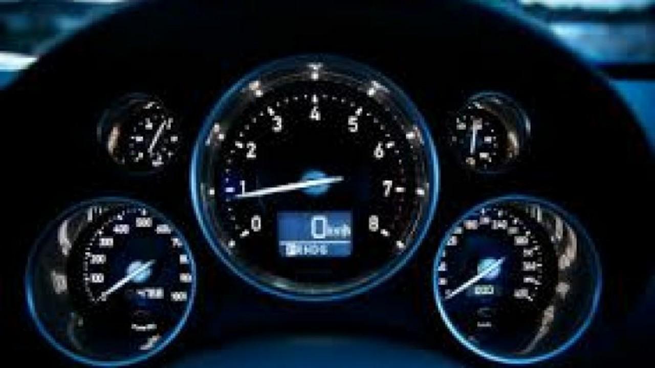 خطوات بسيطة لمسح الأعطال العالقة فيذاكرة كمبيوتر السيارة