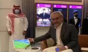 شاهد.. ردة فعل الأمير الوليد بن طلال على هدف سالم الدوسري ضد الفتح