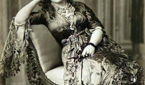 صورة من الحرملك السلطاني تعود إلى عام 1880