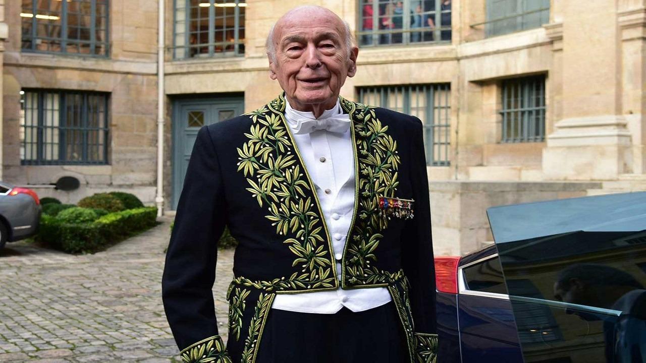 وفاة الرئيس الفرنسي الأسبق جيسكار ديستان