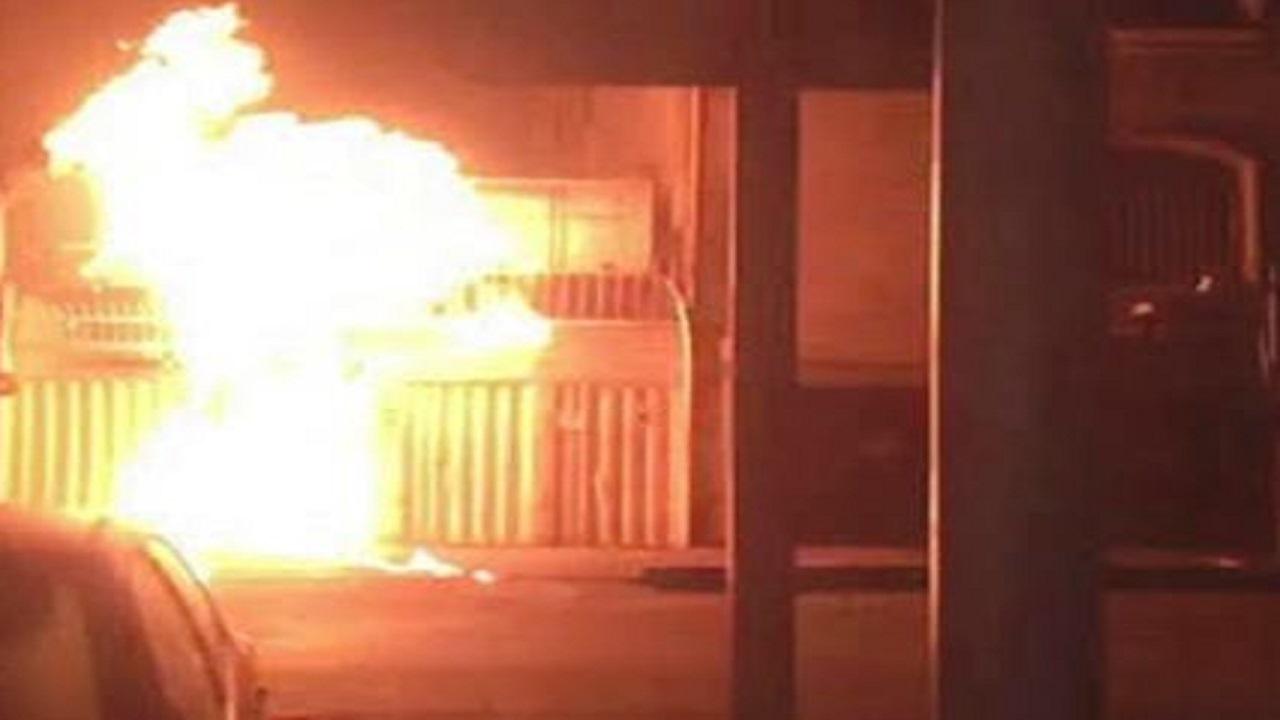 """بالصور.. """"شباب الإنتفاضة"""" يضرمون النيران في عدة مقرات حكومية بإيران"""