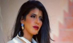 بالفيديو.. التفاف حشود من الفتيات والشباب حول أروى عمر