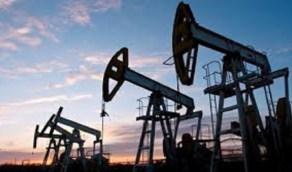 النفط يتراجع وبرنت عند 48.08 دولاراً للبرميل