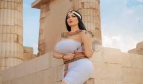 """أول تعليق لملتقط الصور المثيرة لـ """"فتاة الأهرامات"""": البنت كانت مليانة شوية"""
