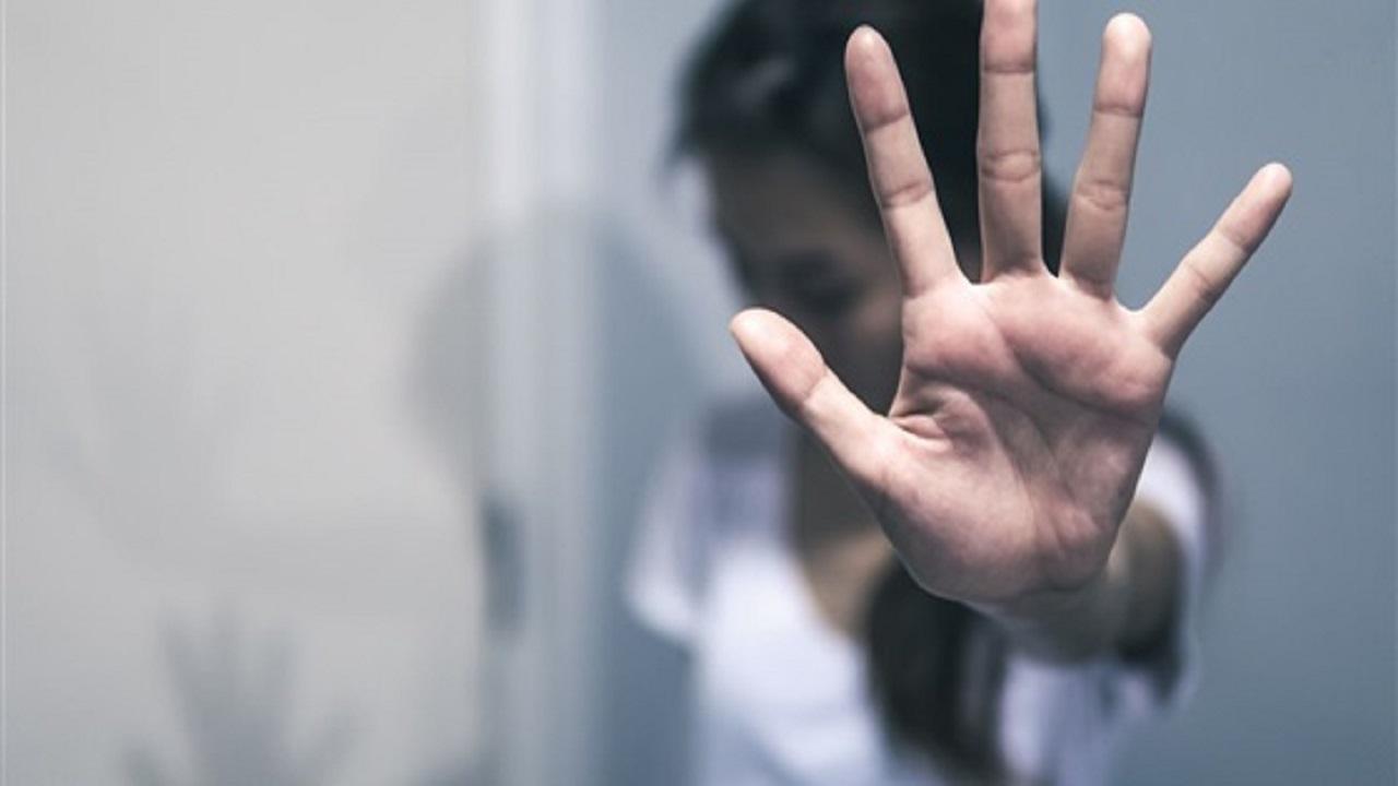 شاب يحاول اغتصاب فتاة إنتقاماً منها