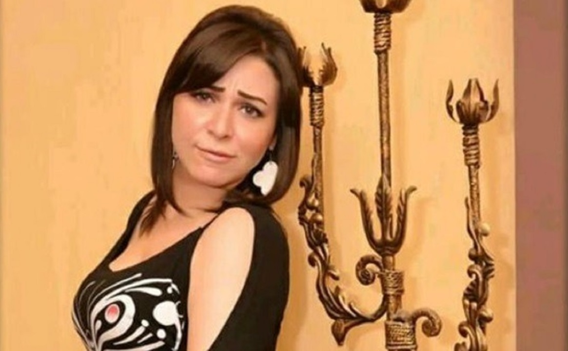 ممثلة شهيرة تنهار باكية: رأيت زوجي الذي قتلته وهو ينزف