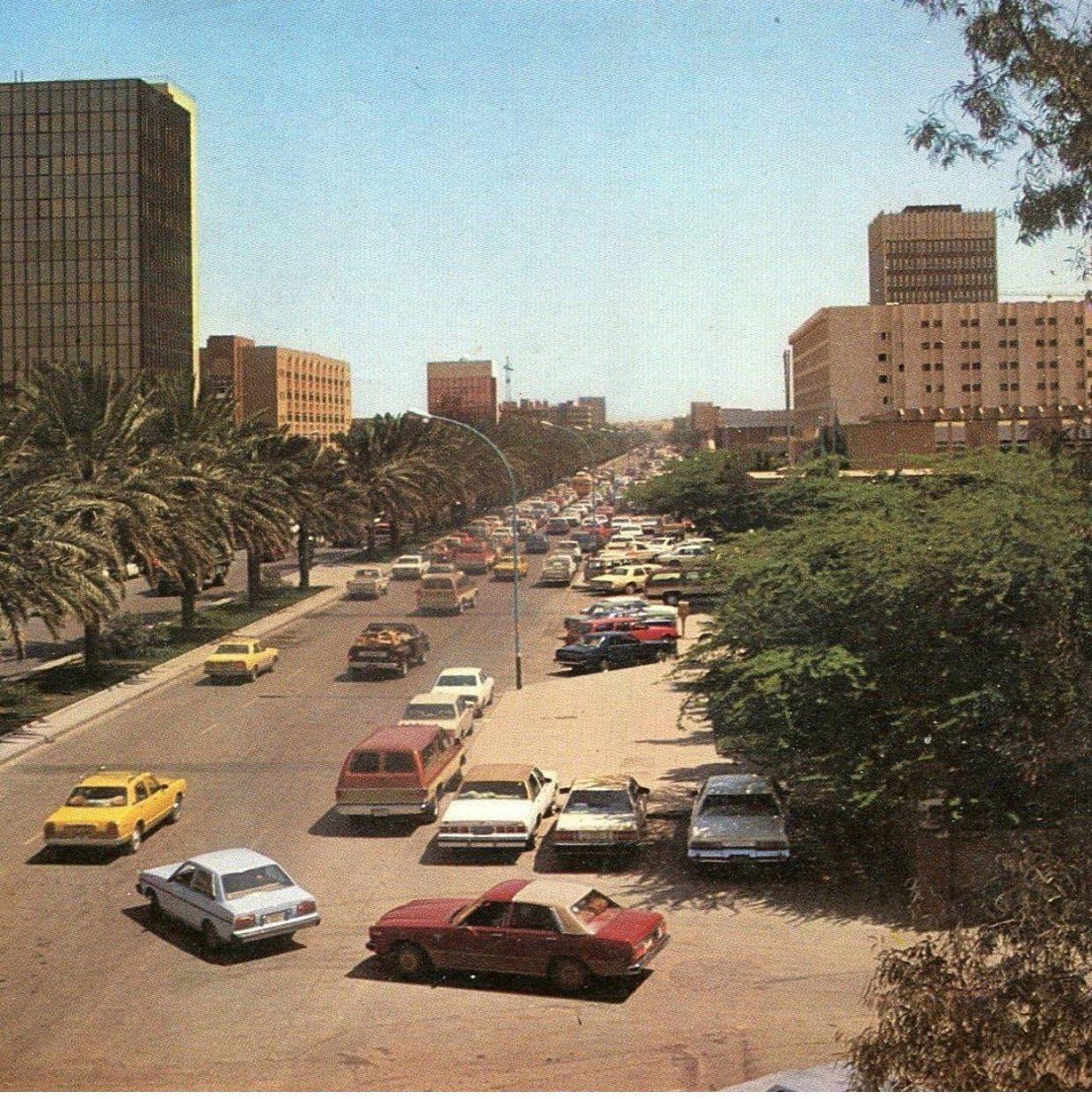 صورة نادرة للرياض شارع الجامعة