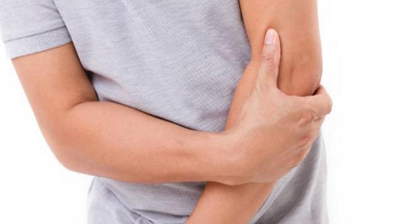 أعراض تنذر بإصابتك بالتهاب وتصلب المفاصل