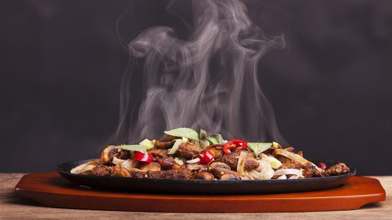 دراسة تكشف علاقة خطيرة بين حرارة الطعام وزيادة الوزن