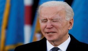 شاهد.. بايدن يجهش بالبكاء على الهواء قبل تنصيبه رئيسًا لأمريكا