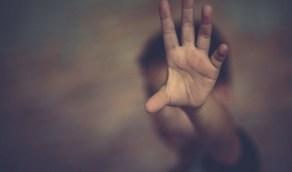 السجن 3 سنوات لامرأة هتكت عرض طفل وحرقت أجزاء من جسده