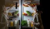 4 مخاطر لتناول الفاكهة مساءً يجب الحذر منها
