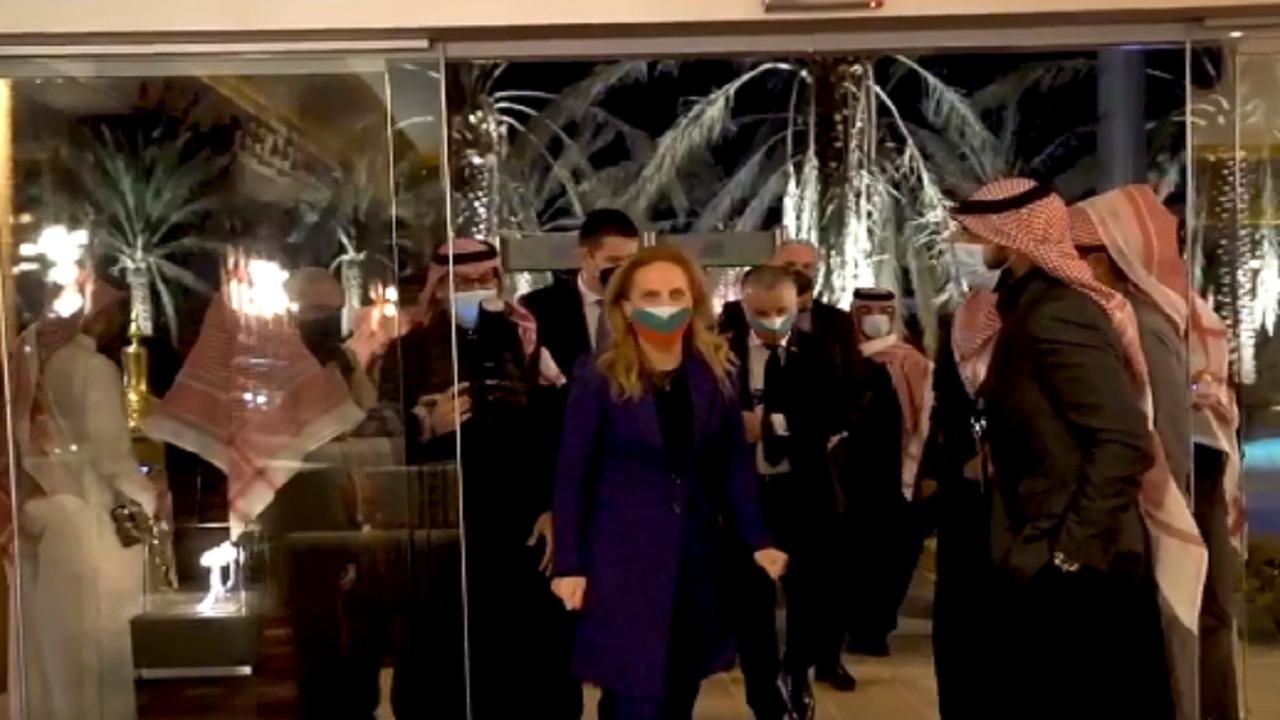 شاهد.. وزيرة السياحة البلغارية في أوايسس الرياض