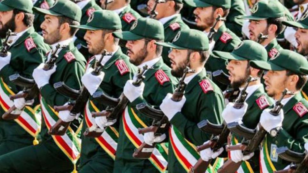 انفجارات عنيفة تهز مواقع الحرس الثوري الإيراني بريف دير الزور