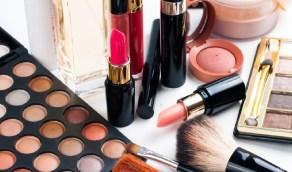 7 إرشادات لتجنب الأعراض الجانبية لمنتجات التجميل
