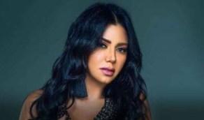 شاهد.. وصلة رقص مثيرة للفنانة رانيا يوسف بفستان أحمر