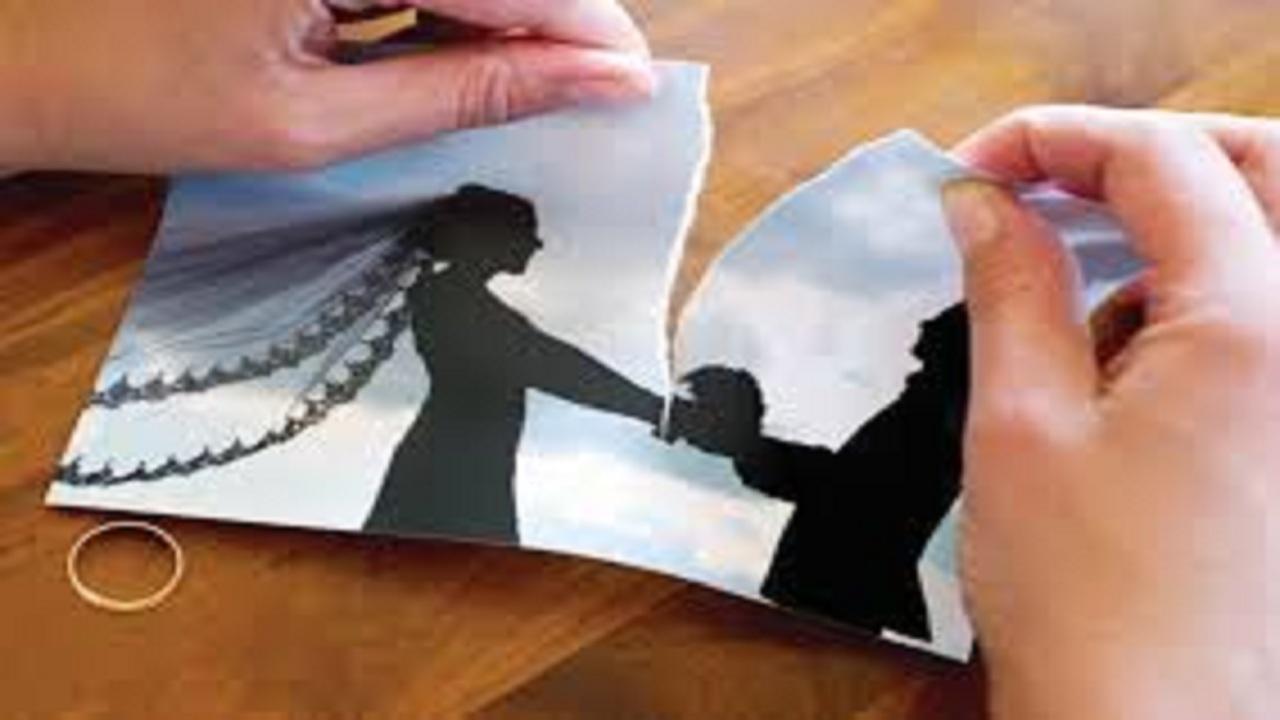 شاهد.. محامي يُشعل الجدل بين المواطنين: المرأة تستطيع أن تخلع زوجها بضغطة زر