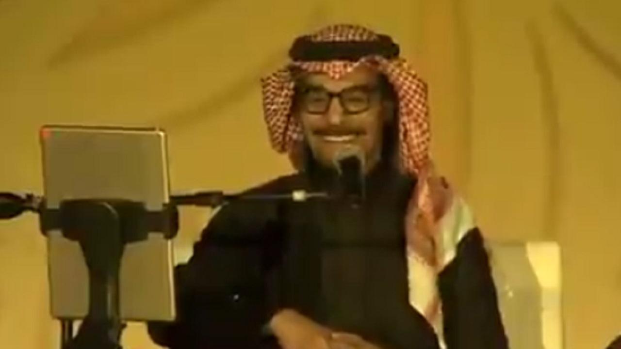 """بالفيديو .. آل الشيخ يهاتف """"رابح صقر"""" بطريقة ودية في حفل أوايسس الرياض"""