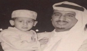 صورة نادرة تجمع الملك سلمان ونجله وزير الطاقة في مقتبل العمر