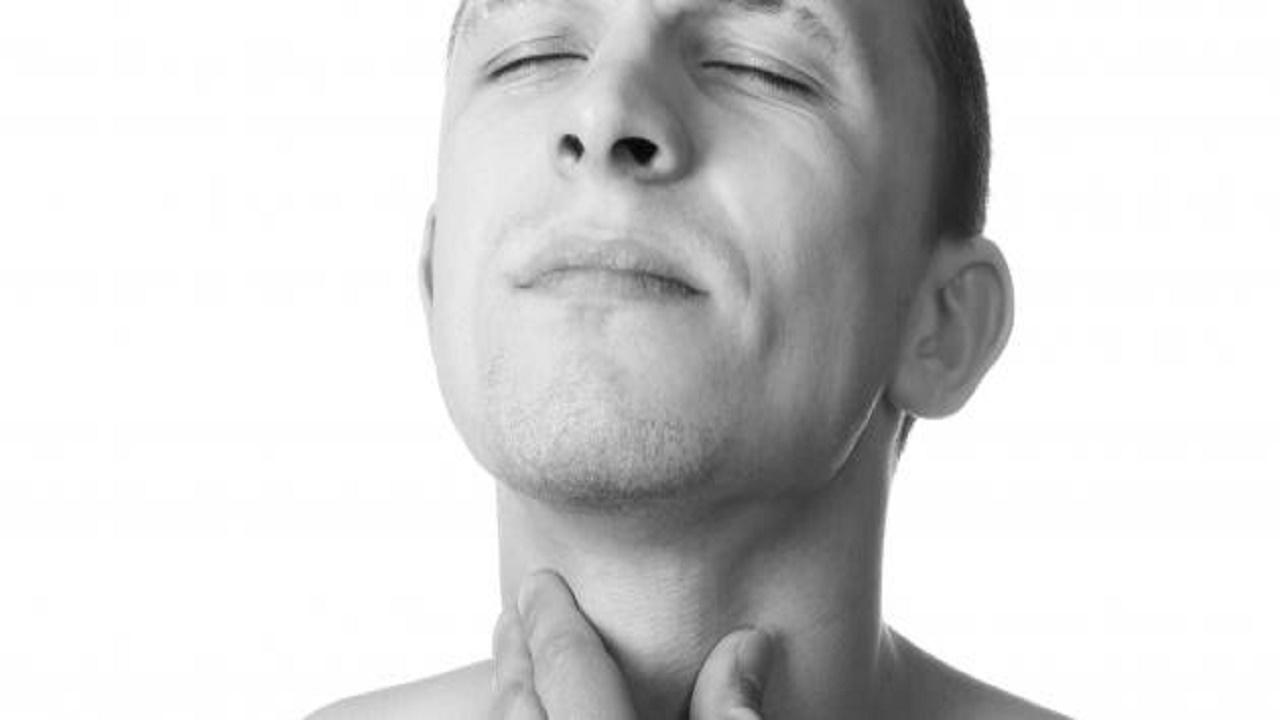 """أعراض سرطان الفم منها """"صعوبة البلع"""""""