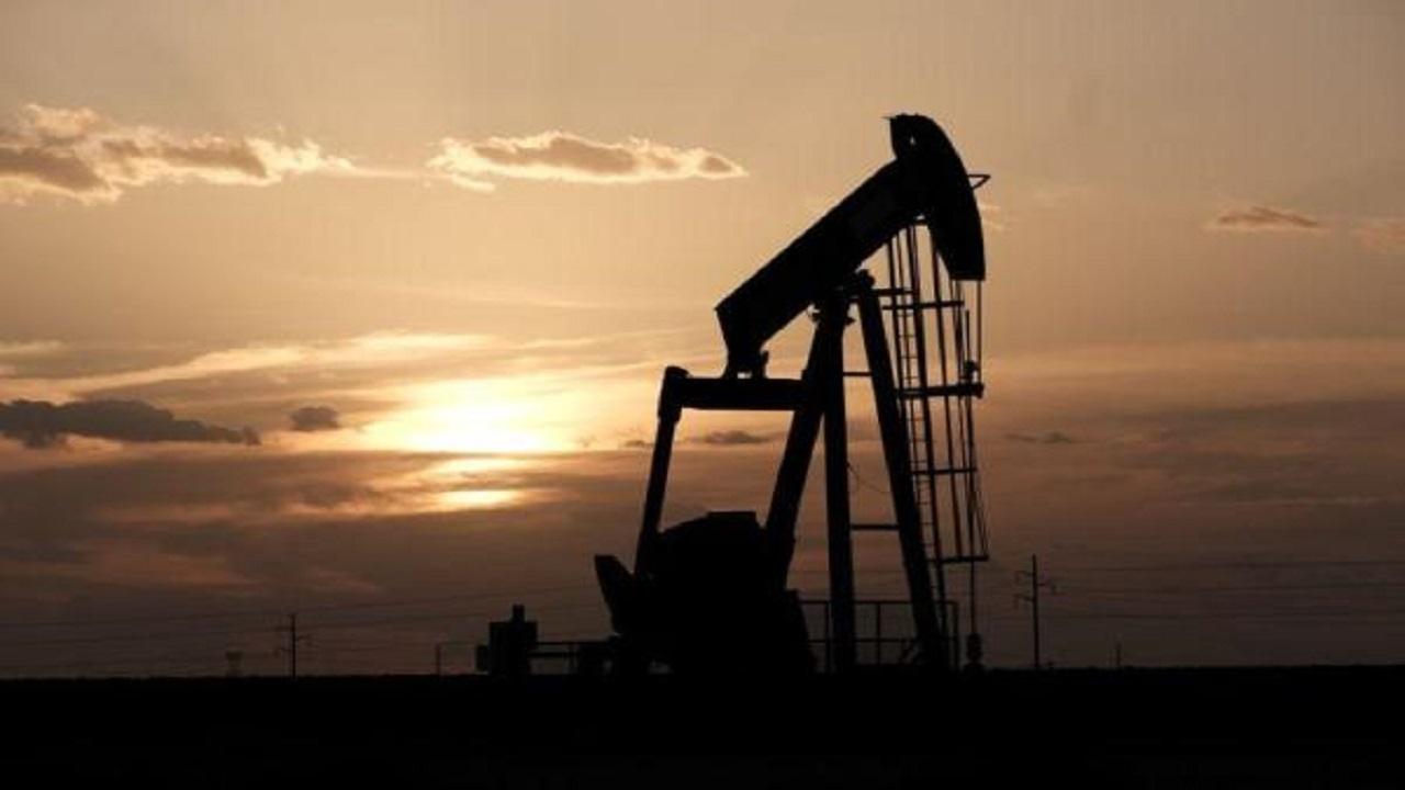 أسعار النفط تهبط في ظل طغيان القلق بشأن العزل العام على آفاق الطلب