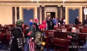 بالفيديو.. مشاهد جديدة تكشف لحظة اقتحام مبنى الكونغرس الأمريكي