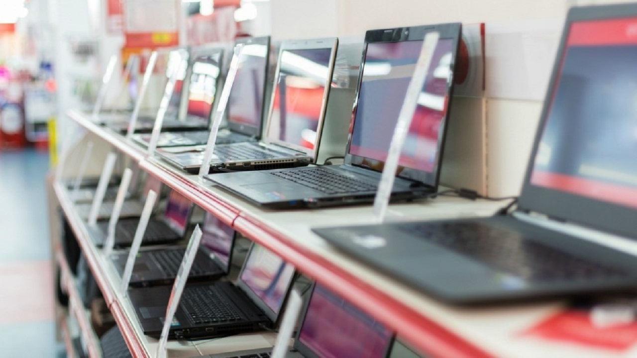أمير الباحة يوجّه بمراقبة وتفتيش جميع منافذ بيع الأجهزة الإلكترونية للطلاب