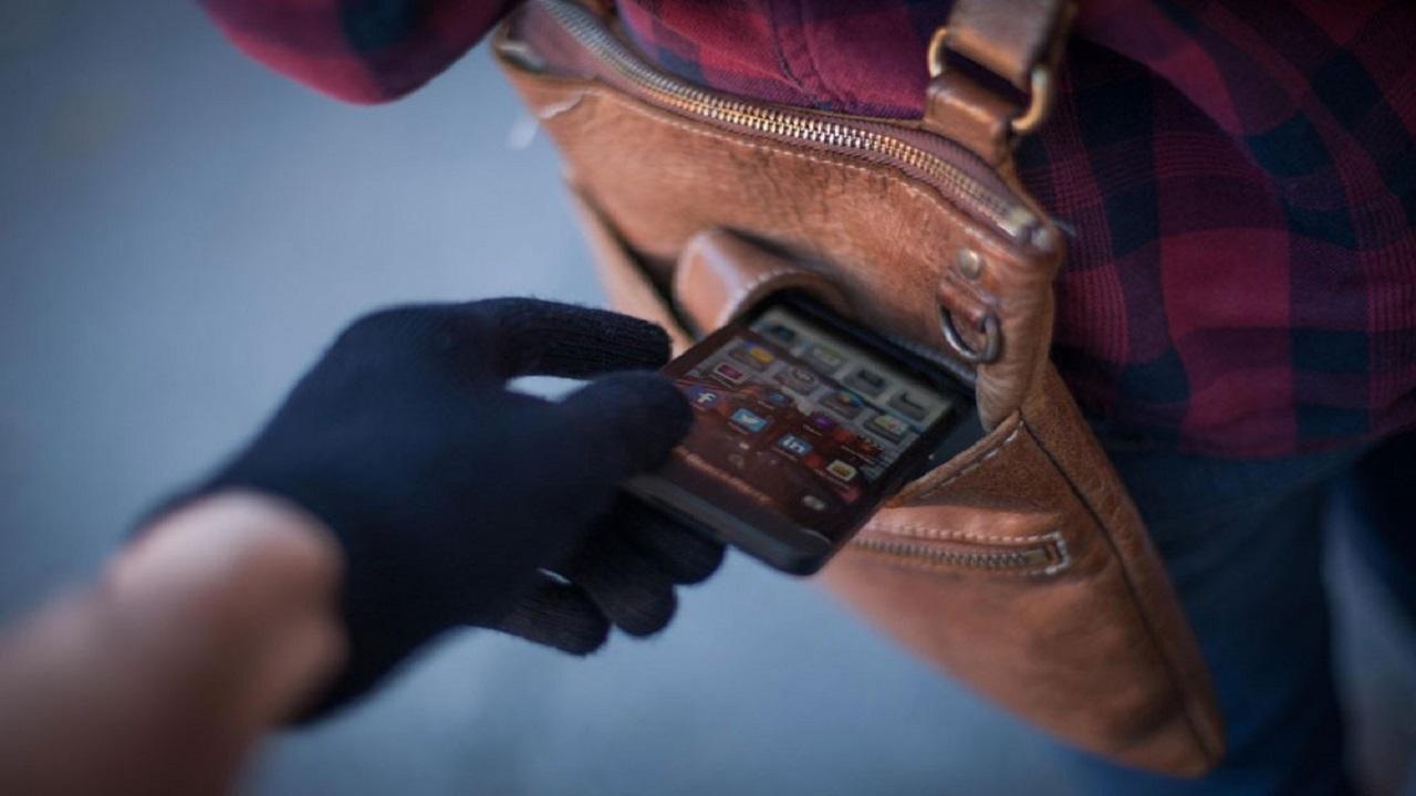 سيدة تفقد حياتها أثناء مطاردتها للص سرق هاتفها