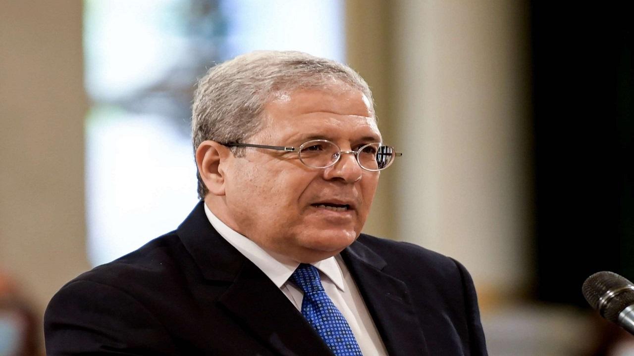 """"""" كورونا """" يلحق بوزير الخارجية التونسي"""