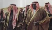 صورة نادرة تجمع الملك خالد بالرئيس الأوغندي بالزي السعودي قبل 41 سنة