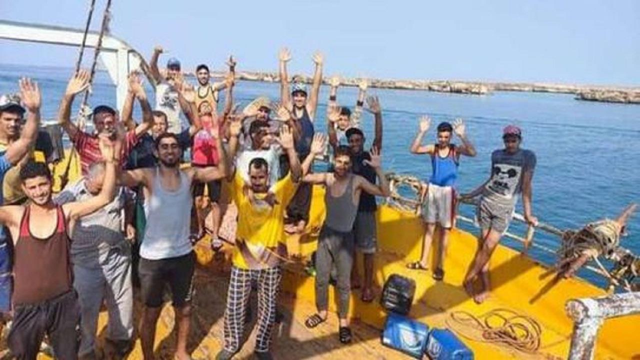 إطلاق سراح مركب صيد يقل 35 مصري بعد دخول المياه الإقليمية السعودية