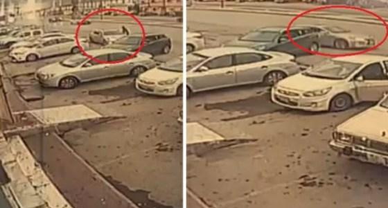 شاهد.. لص يسرق سيارة في وضع التشغيل بالرياض وبداخلها امرأة وطفلتيها