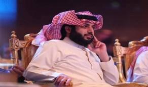 تركي آل الشيخ يتعجب من معاملة البعض معه ويعلق: لازم لي نظارات