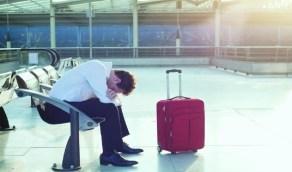 بالصورة..رجل عاش في المطار 3 أشهر خوفا من كورونا