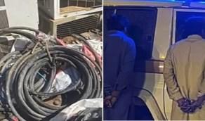الإطاحة بوافدين تورطا في سرقة 53 مكيف وبطاريات بنجران