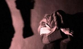 أربعيني يتفق مع شقيقه على ضرب واغتصاب زوجته