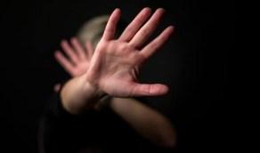 القبض على رجل حاول اغتصاب أمه المسنة