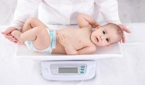 """للأمهات.. وزن الطفل وتركيز الدواء يحددان جرعة """"الباراسيتامول"""" المناسبة"""